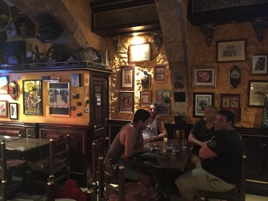 Rubbles Bar: photo0.jpg