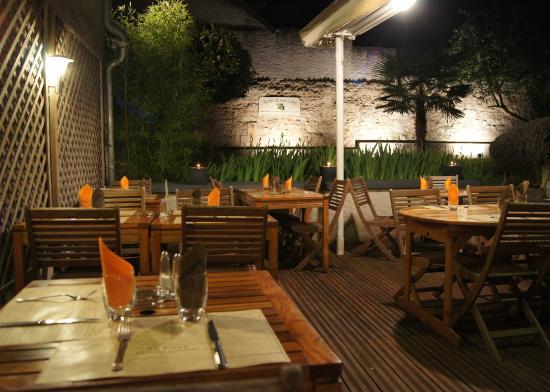 "Le Piron : le patio du Piron ""by night"""