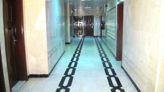Отель голден стар в дубаи игровые автоматы онлайн винджаммер