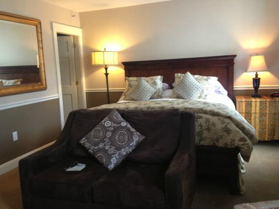 Mary Prentiss Inn: Our lovely room
