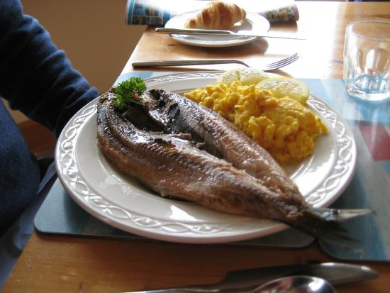 Seaview Bed & Breakfast: Kippers and scrambled eggs