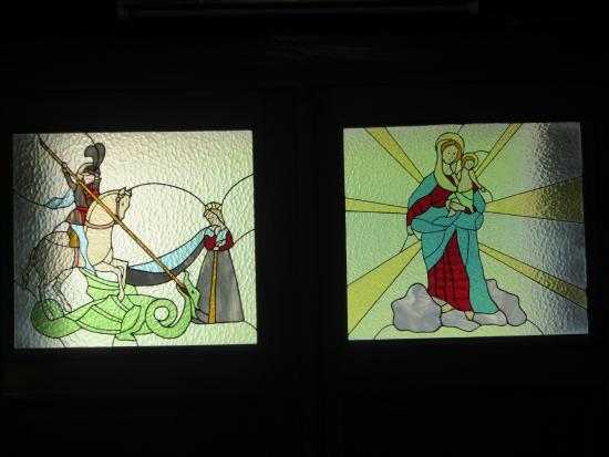 Dumenza, Italy: Stained glass, and obviously with St. George on the left.