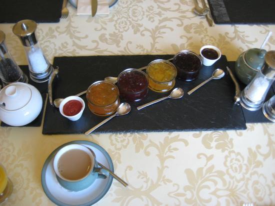 Strathkinness, UK: Jams/marmalade