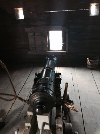 Old Fort Western : Cannons in the stockade blockhouses