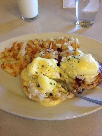 Elmer's Restaurant - Salem: Dungeness Crab Eggs Benedict