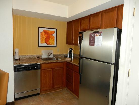 Residence Inn Washington, DC/Dupont Circle : mini kitchen