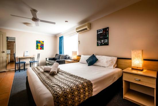 Park Beach Resort Motel King Spa Room