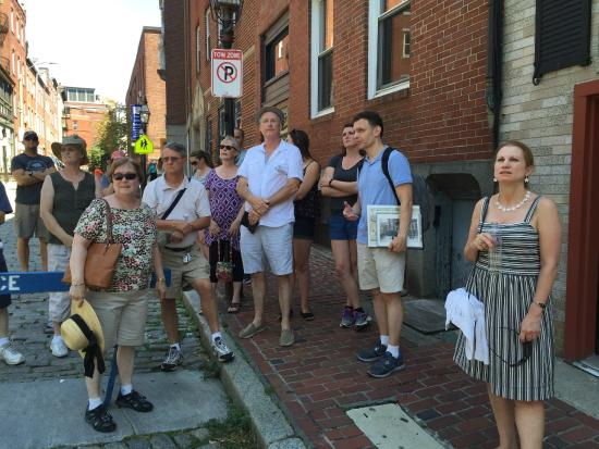 Walking Boston - Tours : In the North End, near Paul Revere's home.