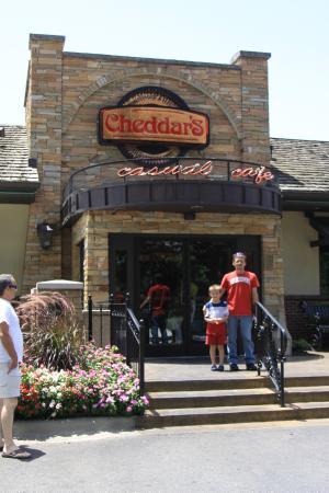 Cheddaru0027s Scratch Kitchen: Charlotte, NC Cheddaru0027s