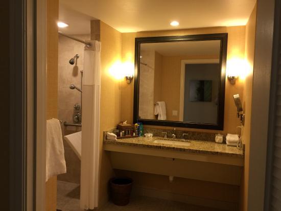 Coronado Island Marriott Resort & Spa Photo