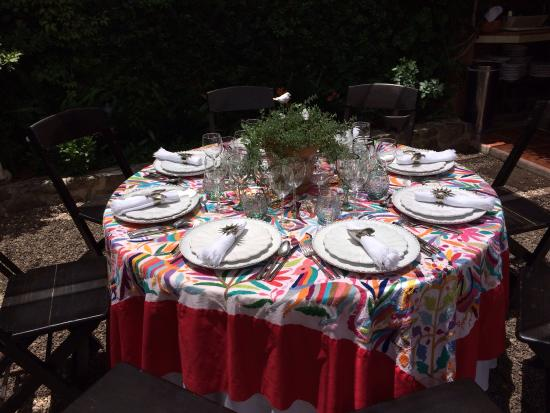 Cooking Classes with Paco Cardenas: Our charming luncheon table set with local linens and accessories