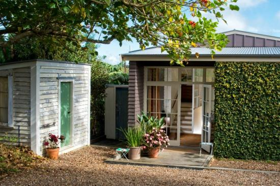 The Boatshed: Bungalow