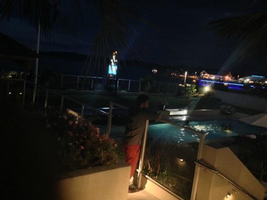 Kingsgate Hotel Autolodge Paihia : Enjoying the lights and view :)