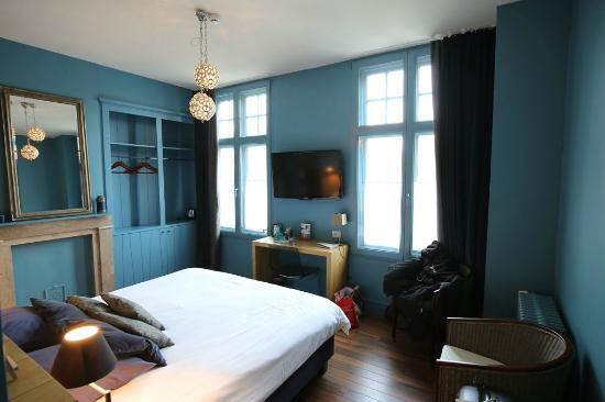 ชาร์มมิ่งบรูช: Beautifully decorated 'Le Bleu de Bruges' bedroom.
