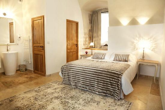 les chambres de la renaissance sainte julie frankrijk