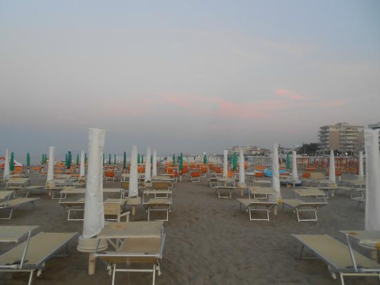 Spiaggia foto di bagno 70 riccione tripadvisor - Bagno 78 riccione ...