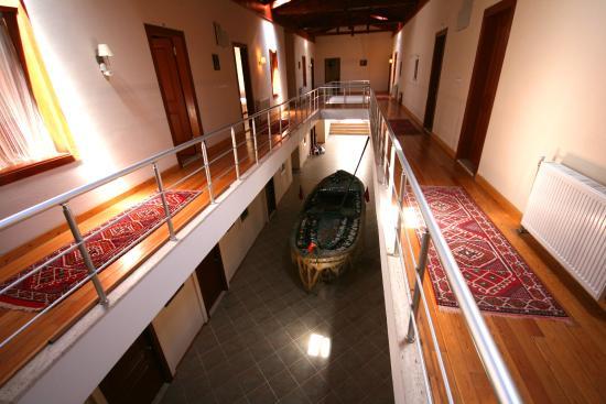 Armagrandi Bozcaada Otel : Ana bina koridor/Main building hall