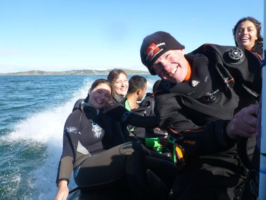 New Zealand Diving : Onboard Midnight Diver