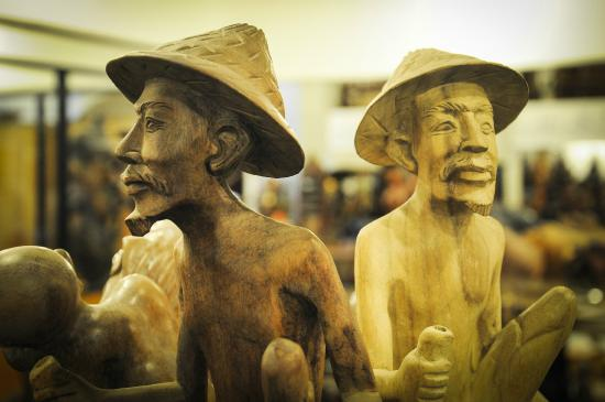 Oak Ray Handcrafted Wood Carvings