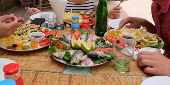 Delices et saveurs : Sardines et calamars (restaurant délices & saveurs)