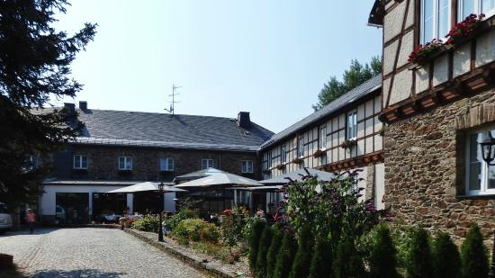 Sonnenhotel Hohen Hahn: The hotel's outdoor terrace