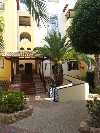 Ona Aldea del Mar: Entrada apartamentos