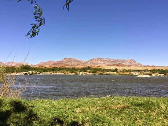 Go swimming in the Orange River