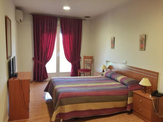 Hotel godofredo toledo espa a opiniones comparaci n for Precio habitacion matrimonio completa