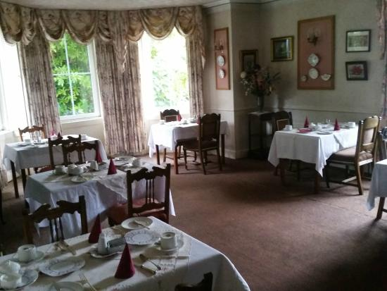 Olde Glenbeigh Hotel: The breakfast dining area at 8am...empty