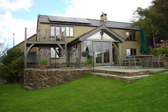 Kerswell Farmhouse : The terrace