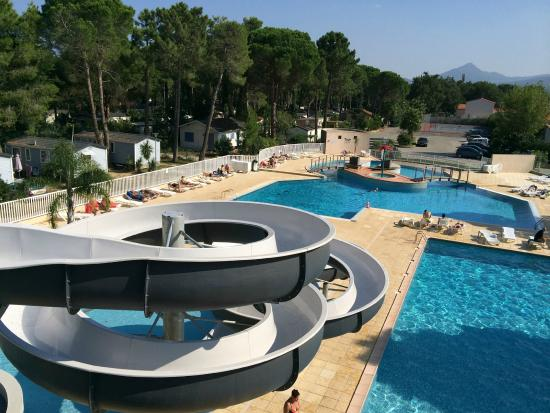 toboggan de la piscine picture of camping club taxo les pins argeles sur mer tripadvisor. Black Bedroom Furniture Sets. Home Design Ideas