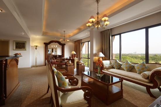 Hotel Aryaduta Lippo Village: Room