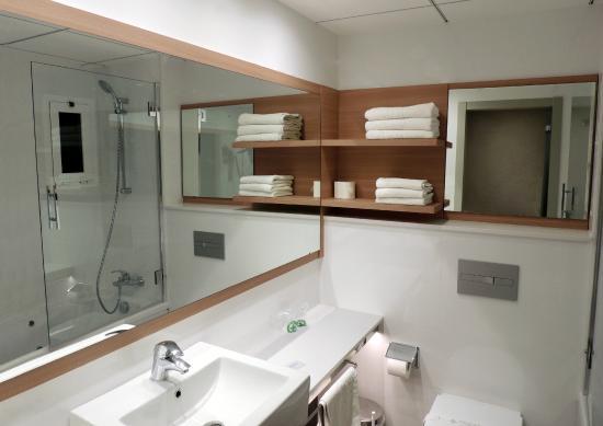Hotel Augustus: Baño habitación Panorámica
