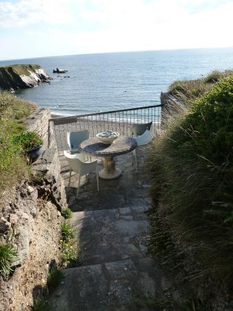 Henry's Boutique Destination - cliff top sitting nook