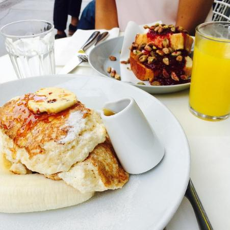 Ricotta Hotcakes with maple syrup and honeycomb butter - Picture of ...