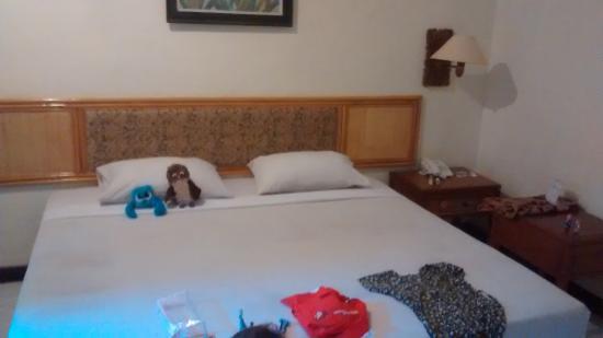 Seminyak Paradiso Hotel: Cama