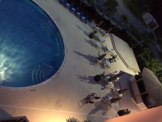 Holiday Inn Dothan: Nice pool, tiki bar.