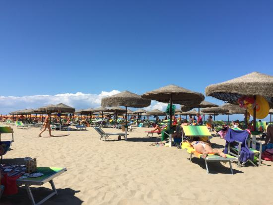 Matrimonio Spiaggia Margherita Di Savoia : Spiaggia picture of torquemada beach margherita di