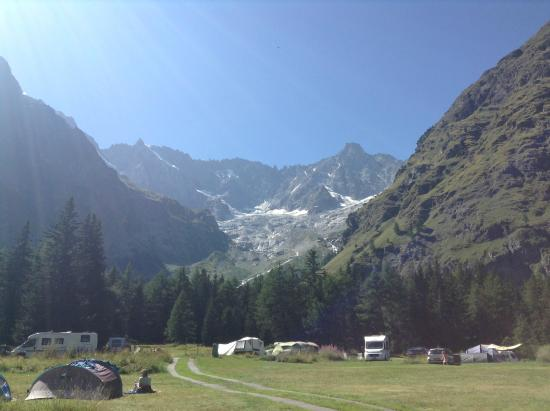 Camping Des Glaciers: View of the glacier above the campsite.
