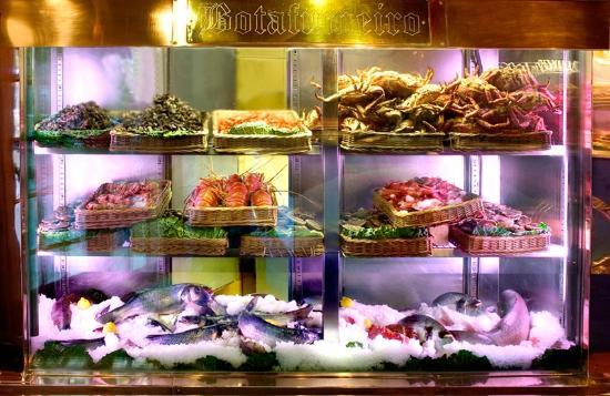 Photo of Seafood Restaurant Botafumeiro at Carrer Gran De Gràcia, 81, Barcelona 08012, Spain