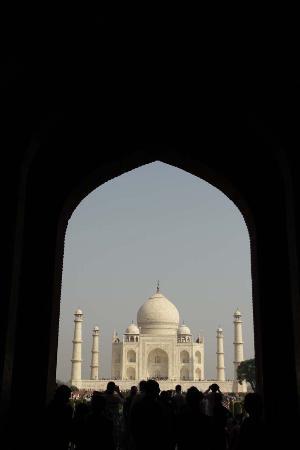 Indian Impression Same Day Tour : Visit Taj Mahal Agra