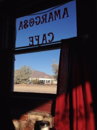 Amargosa Opera House Restuarant: Вид из окна кафе.