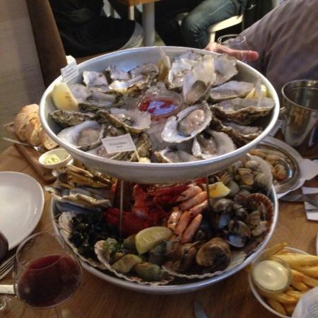 Fantastic seafood tower foto van the seafood bar spui for Seafood bar spui 15
