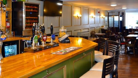 Kennford, UK: Bar