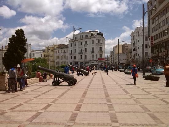 Terrasse des parasseux boulevard pasteur tangier for Photo de terrasse