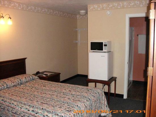 Baldwin, IL: Bed