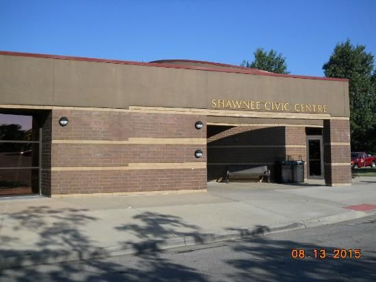 Shawnee, KS: Front of building