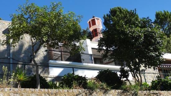 Estalagem Abrigo da Montanha: Pohled na hotel ze silnice