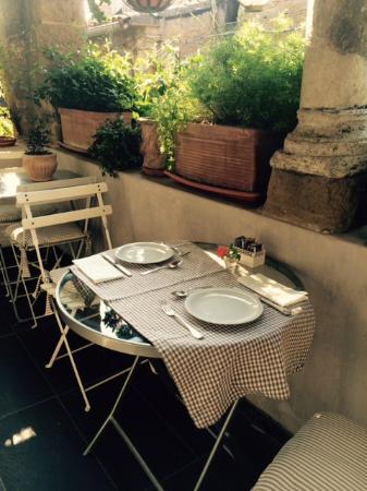Residenza Farnese: Dove fare colazione