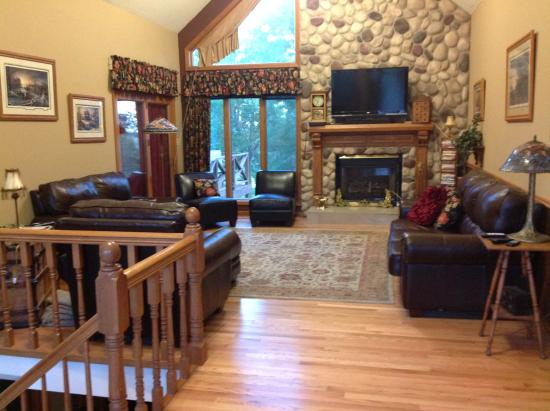 Creston, Айова: Upstairs living room open to all who stay at lodge.